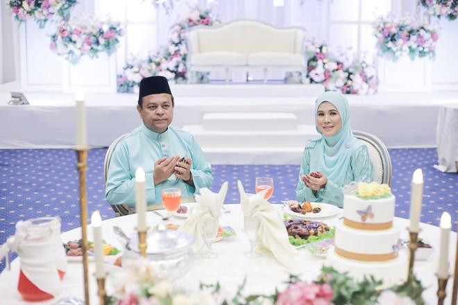 Trước đám cưới chú rể bỗng đau bụng dữ dội, bố mẹ cô dâu liền thay các con tiến vào lễ đường hoàn thành nốt dịp trọng đại - Ảnh 6.