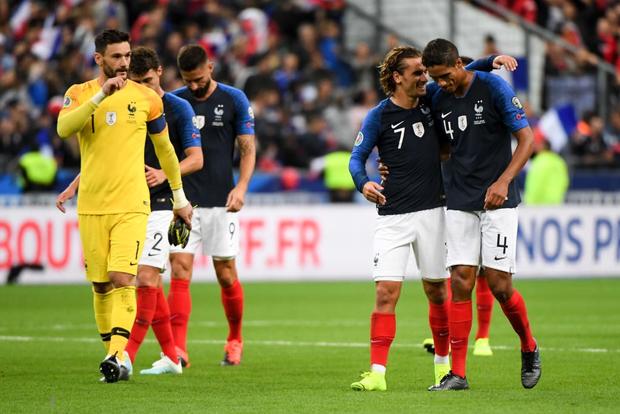 Vòng loại Euro 2020: Bị CĐV đối phương dùng Messi để chế giễu, Ronaldo đáp lại đanh thép thế này đây - Ảnh 9.