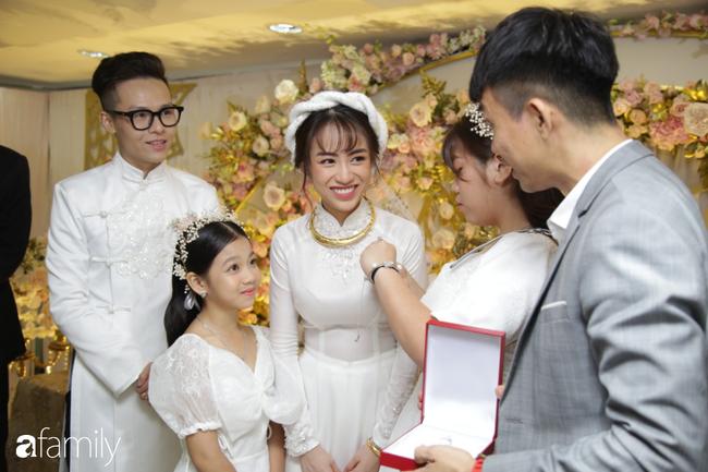 HOT: Toàn cảnh lễ đưa dâu toàn siêu xe hơn 100 tỷ của con gái đại gia Minh Nhựa, cả ngôi nhà tràn ngập hoa tươi - ảnh 10