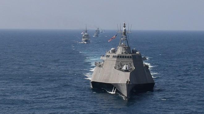 Ấn tượng với cuộc diễn tập hàng hải Mỹ - ASEAN đầu tiên - Ảnh 1.