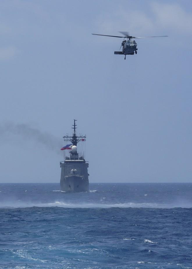 Ấn tượng với cuộc diễn tập hàng hải Mỹ - ASEAN đầu tiên - Ảnh 2.