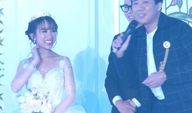 Con gái đại gia Minh Nhựa bật khóc khi Trấn Thành nói: Tôi không bao giờ chúc cho 2 bạn trăm năm hạnh phúc, điều đó sáo rỗng trong năm 2019! - Ảnh 1.