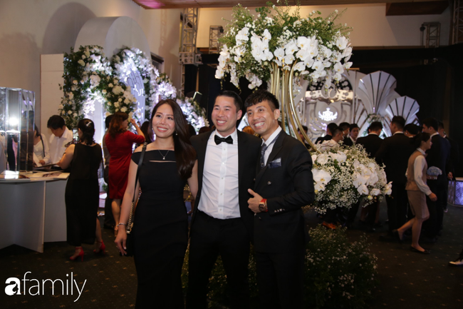 Tiết lộ kinh phí tổ chức tiệc cưới con gái Minh Nhựa đã lên tới 20 tỷ đồng, riêng tiền hoa trang trí đã là 700 triệu! - Ảnh 12.