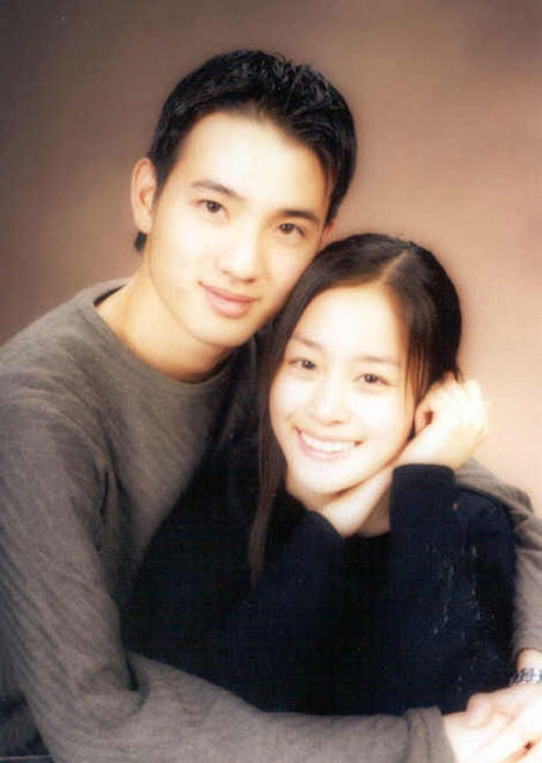 Chuyện chưa kể về tình đầu 5 năm đẹp như ngôn tình của Kim Tae Hee: Không phải người nổi tiếng nhưng đẹp trai và tài giỏi không thua kém gì Bi Rain - Ảnh 3.