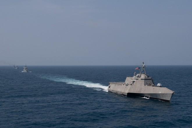 Ấn tượng với cuộc diễn tập hàng hải Mỹ - ASEAN đầu tiên - Ảnh 4.