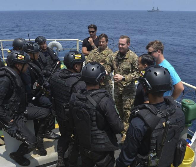 Ấn tượng với cuộc diễn tập hàng hải Mỹ - ASEAN đầu tiên - Ảnh 9.