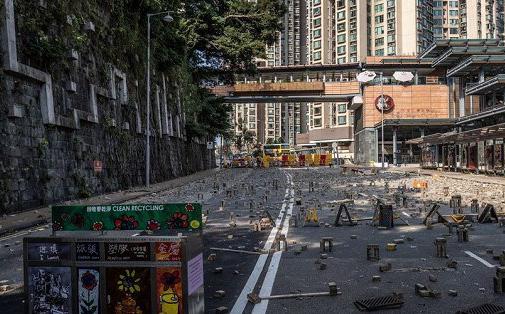 Hong Kong sắp ban bố lệnh giới nghiêm?