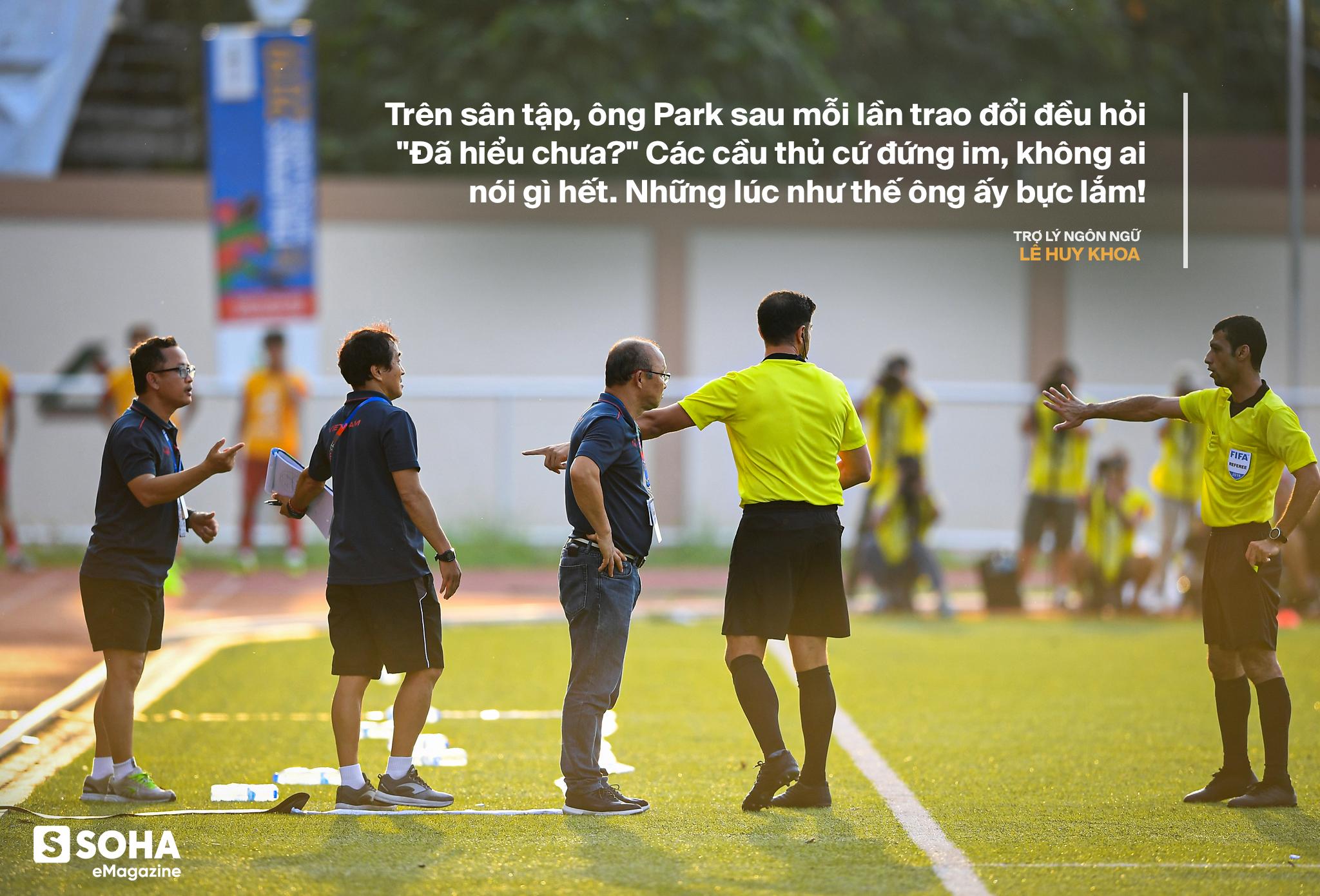Trợ lý ngôn ngữ Lê Huy Khoa: Ông Park từng phát bực vì sự im lặng của cầu thủ Việt Nam - Ảnh 7.