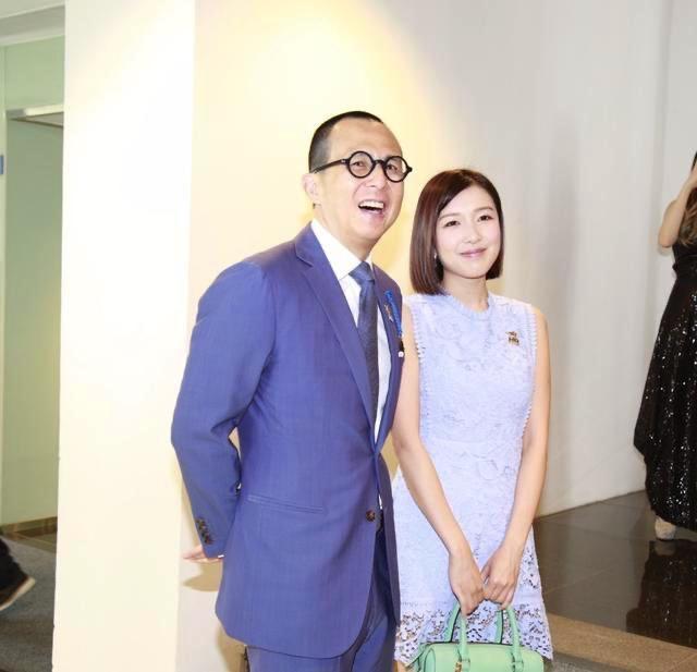 Nhan sắc xinh đẹp của Á hậu Hong Kong khiến tỷ phú hơn 26 tuổi say đắm, chung thủy suốt nhiều năm - Ảnh 2.