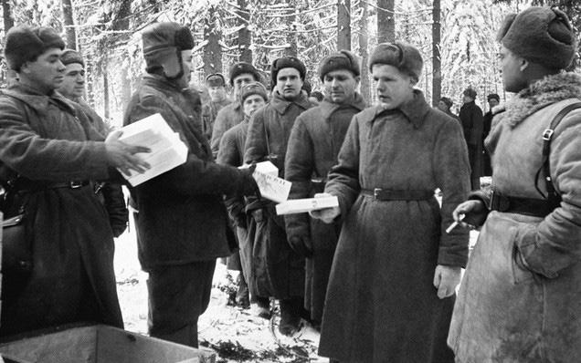 Quân dân Liên Xô đón Năm Mới như thế nào trong Thế chiến 2? - Ảnh 1.