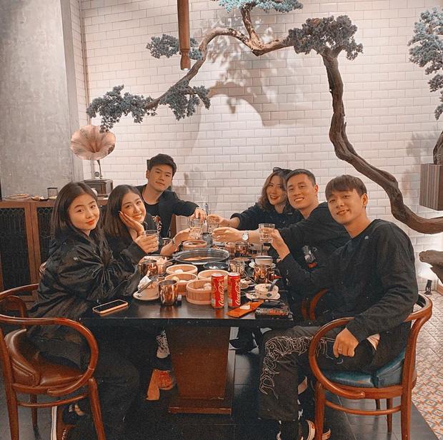 Khoảnh khắc hạnh phúc đầu 2020: Bạn gái Lâm Tây đón giao thừa cùng nhà chồng tương lai, chị em rich kid Tiên Nguyễn đi quẩy tới nóc - Ảnh 3.
