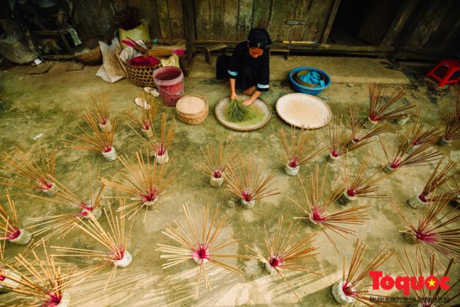 Mẹo chọn mua hương ngày Tết để vừa đẹp bàn thờ lại vừa đảm bảo sức khỏe gia đình - Ảnh 5.