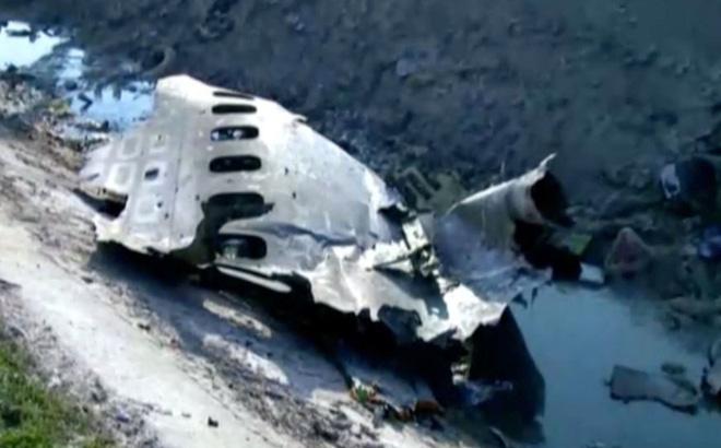 Newsweek: Máy bay Boeing 737 của Ukraine đã bị bắn rơi bởi tên lửa đất đối không Tor-M1 - Ảnh 1.