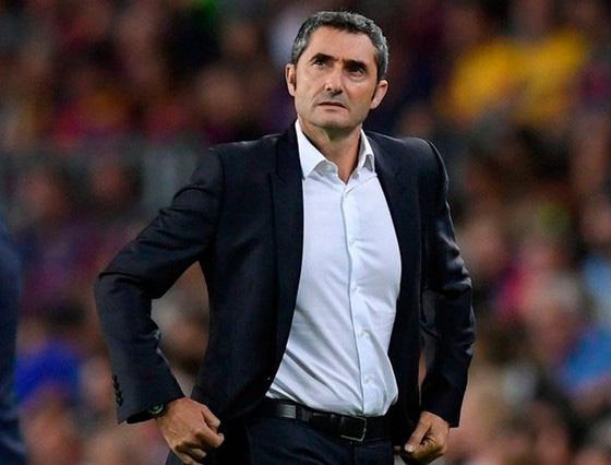 Barca thua ngược ở Siêu cúp, HLV Valverde lo lắng tương lai - Ảnh 1.
