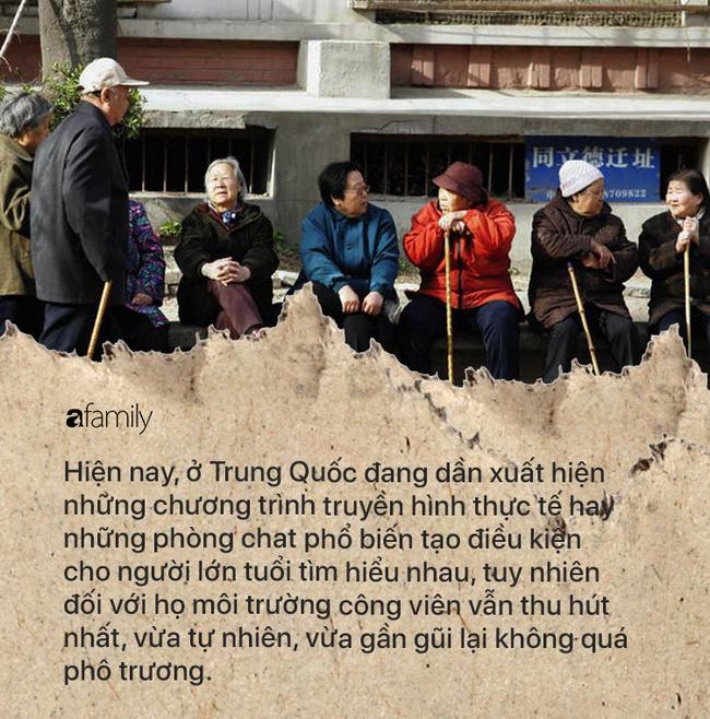 Khủng hoảng cô đơn ở tuổi xế chiều khiến người già Trung Quốc phải tìm bạn tình ở công viên, cuối cùng đối mặt với nguy cơ nhiễm HIV - Ảnh 1.