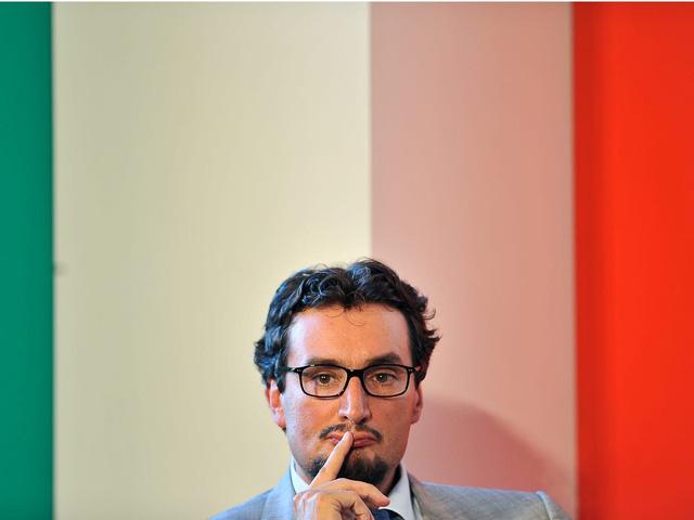 Hé lộ về tỷ phú bí ẩn giàu nhất Italy - Ảnh 5.