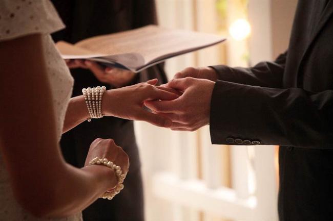 Thiếu gia nhà giàu gây sốc khi tổ chức lễ cưới chỉ với 4 bàn tiệc, lời giải thích được đưa ra khiến nhiều người nể phục - Ảnh 1.