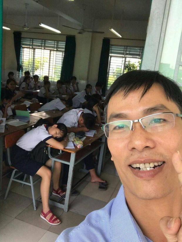 Thấy trò ngồi ngay bàn đầu ngủ gật, thầy giáo nhẹ nhàng làm một hành động khiến học trò không dám tái phạm - ảnh 2