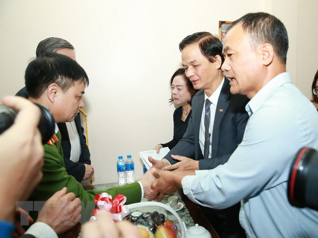 Đại tướng Tô Lâm đến chia buồn với gia đình chiến sĩ công an hy sinh - Ảnh 3.