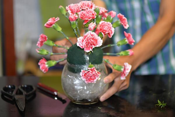 Vừa dễ cắm lại vừa đẹp, hoa cẩm chướng chính là loại hoa không thể thiếu trong ngày Tết - Ảnh 28.