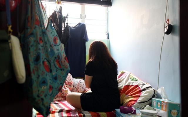 Cuộc sống của người nghèo Hồng Kông: Không thu nhập, mất đi cơ hội việc làm vì biểu tình liên miên, lạc lõng trong một thành phố tráng lệ và phồn hoa - Ảnh 3.