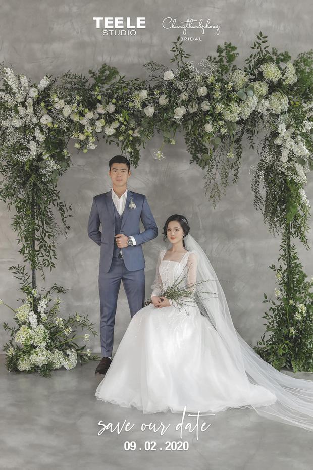 Duy Mạnh đăng ảnh với vẻ mặt căng thẳng bên cô dâu, chính thức tuyên bố toang đời độc thân và thông báo ngày cưới - Ảnh 1.