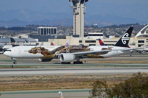 16 hãng hàng không có máy bay được sơn đẹp nhất - Ảnh 19.