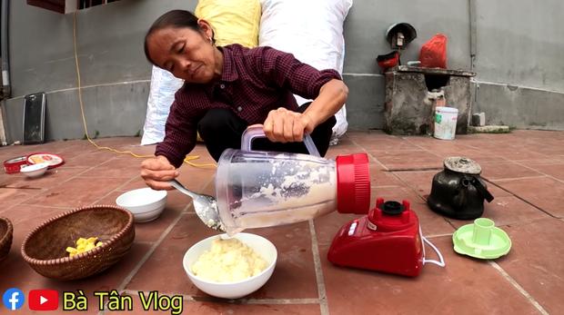 Bà Tân Vlog làm kim chi củ cải nhưng cách bà mời các cháu ăn lại khiến nhiều người bất ngờ - Ảnh 3.