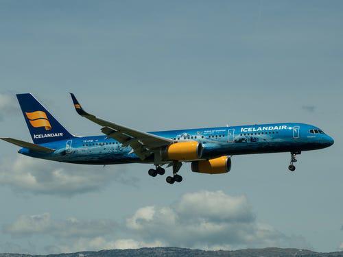 16 hãng hàng không có máy bay được sơn đẹp nhất - Ảnh 22.