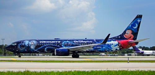 16 hãng hàng không có máy bay được sơn đẹp nhất - Ảnh 23.