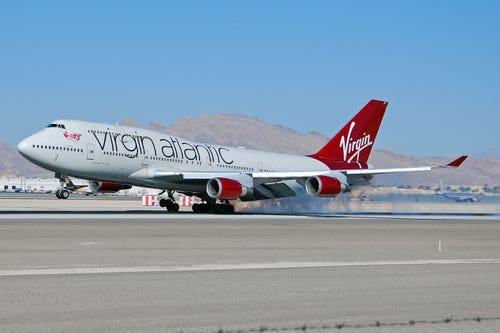 16 hãng hàng không có máy bay được sơn đẹp nhất - Ảnh 7.