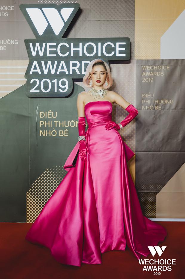 Mỹ nhân chơi lớn nhất WeChoice Awards 2019 gọi tên Chi Pu: Cosplay hẳn huyền thoại Marilyn Monroe, chặt đẹp dàn khách mời - Ảnh 2.