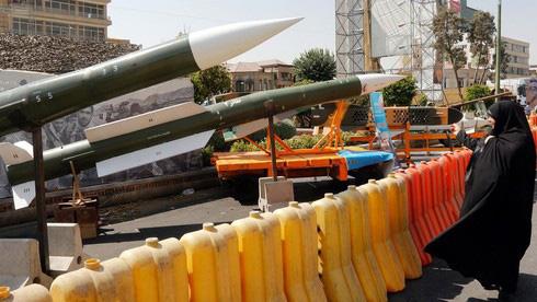 Hàng loạt rocket Nga đang trên đường đến Trung Đông để tiếp lửa cho Iran? - Ảnh 2.