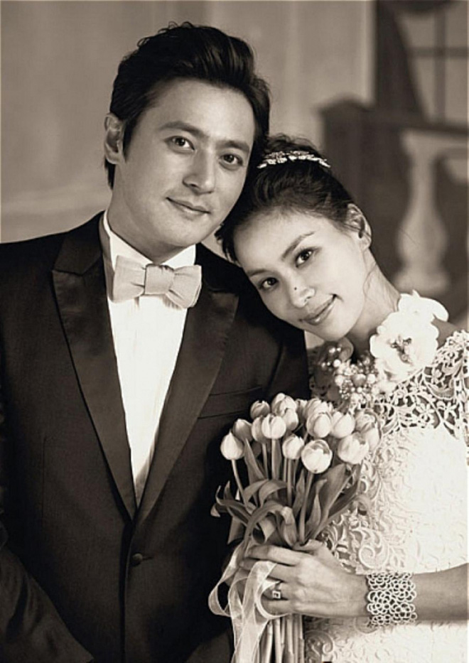 Jang Dong Gun đang làm gì giữa bê bối săn gái: Cùng vợ minh tinh và gia đình đi Hawaii, biểu hiện gây tranh cãi - Ảnh 2.