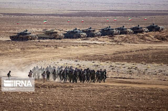 Báo Nga: Iran tập trận bằng xe tăng vỏ Anh, ruột Nga có sức mạnh tương đương T-90A? - Ảnh 1.