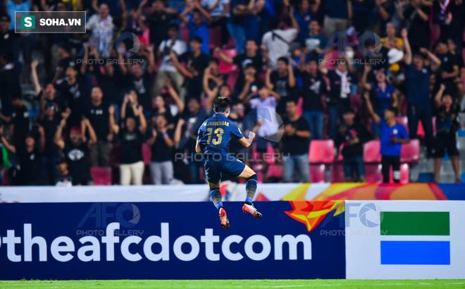 U23 Thái Lan vào tứ kết, CĐV châu Á gọi tên U23 Việt Nam: Để xem họ đi tiếp bằng cách nào? - Ảnh 1.