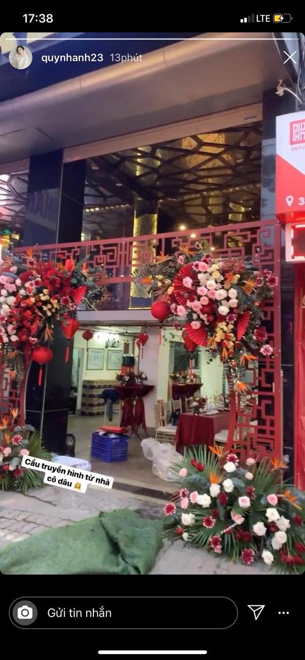 Cận cảnh biệt thự nhà Quỳnh Anh trước ngày đám hỏi với Duy Mạnh: Phủ hết màu đỏ, lộng lẫy và hoàng tráng - Ảnh 1.