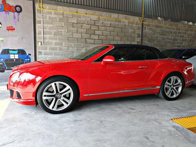 Bentley già chào mua hơn 8 tỷ đồng kèm quảng cáo: Xe này đỗ nhiều hơn đi - Ảnh 1.