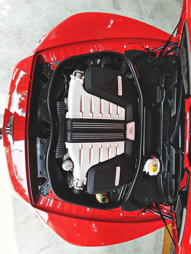 Bentley già chào mua hơn 8 tỷ đồng kèm quảng cáo: Xe này đỗ nhiều hơn đi - Ảnh 2.