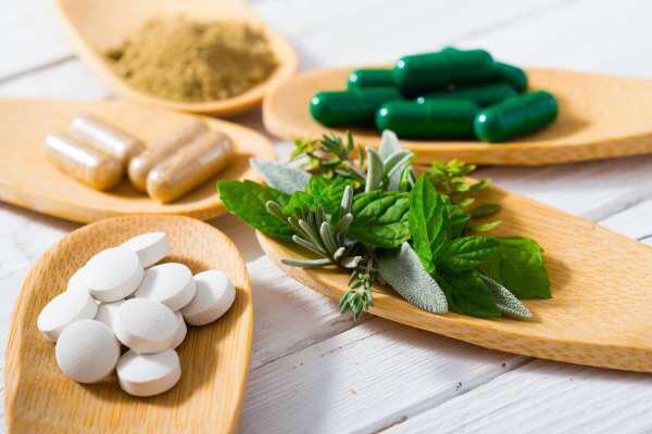 Các bác sĩ cảnh báo: Bệnh nhân đang điều trị ung thư nên tránh xa các liệu pháp thảo dược - Ảnh 3.