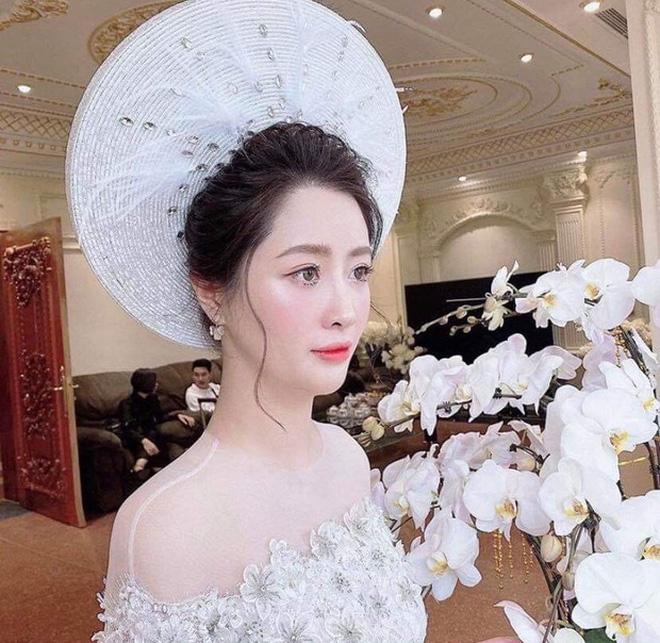 """Lấy chồng thiếu gia thì thế nào? Xem ảnh Hà Quang Dũng vừa """"dìm"""" vợ là rõ: Hoá ra cũng chung cảnh này thôi! - Ảnh 4."""