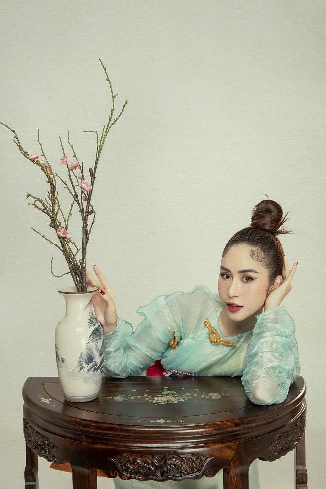 Phan Ngọc Hân xinh đẹp trong bộ ảnh mới, tiết lộ thường xuyên bị hỏi chuyện lấy chồng - Ảnh 6.
