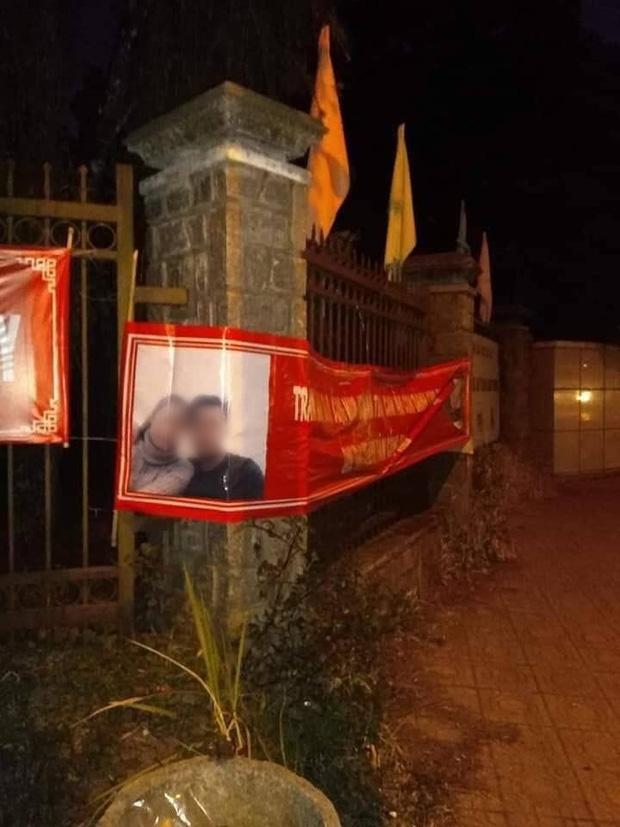 Thanh niên in 60kg banner ảnh và thơ tình dán khắp Đà Lạt để níu kéo bồ cũ: Chả hiểu sao họ nói mình hèn! - ảnh 3