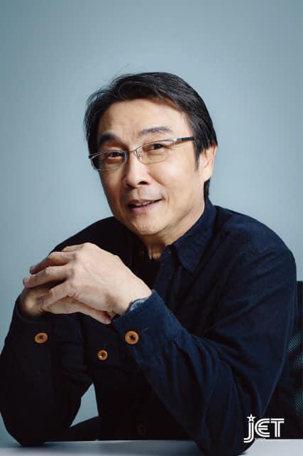 Tài tử Lộc đỉnh ký: 40 năm cống hiến cho nghệ thuật, tuổi 70 già yếu, bệnh tật - Ảnh 3.