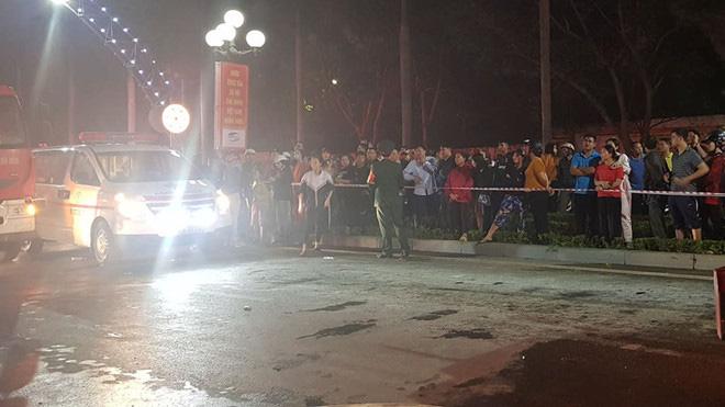2 người tử vong, 13 người đi cấp cứu sau vụ cháy tòa nhà dầu khí Thanh Hóa - Ảnh 4.