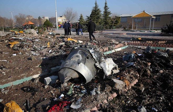 Điều bất thường không thể tưởng tượng nổi trong vụ tên lửa Iran bắn rơi máy bay Ukraine - Ảnh 1.