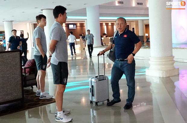 U23 Việt Nam xách vali về nước, thầy Park gửi lời chúc mừng năm mới - Ảnh 3.
