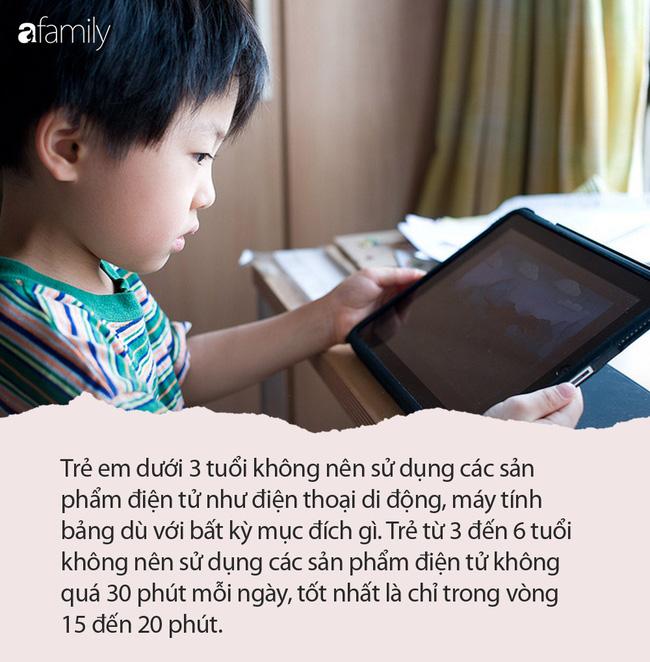 Xem máy tính bảng nhiều giờ mỗi ngày, bé trai 5 tuổi bị cận thị nặng 10 độ - Ảnh 3.