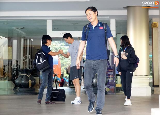 U23 Việt Nam xách vali về nước, thầy Park gửi lời chúc mừng năm mới - Ảnh 6.