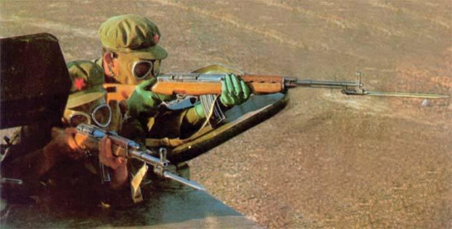 Súng trường tấn công mới của Trung Quốc: Biến thể súng AK từng là hòn đá lót đường? - Ảnh 4.